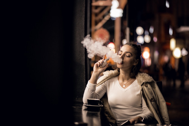 girl-vaping_1303-5743
